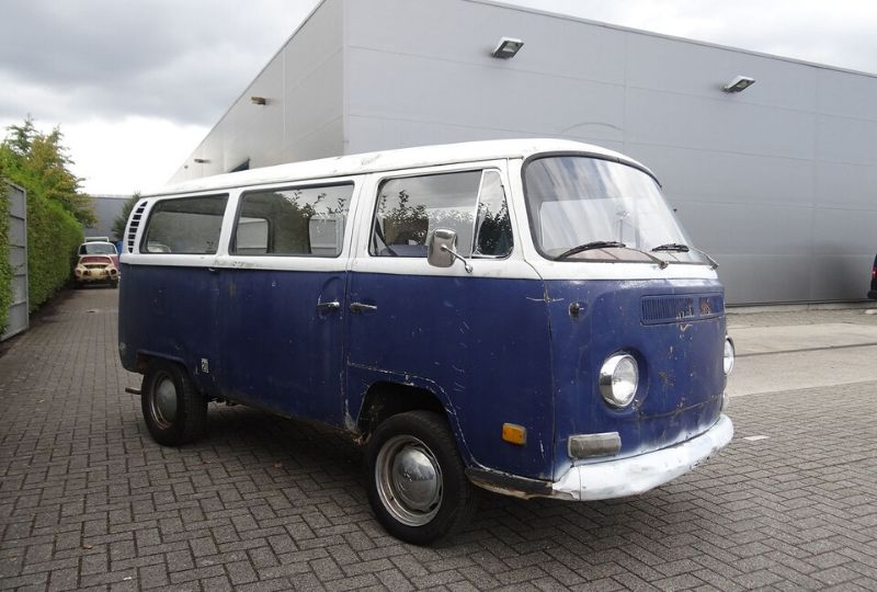 1970 Blue and White Tintop